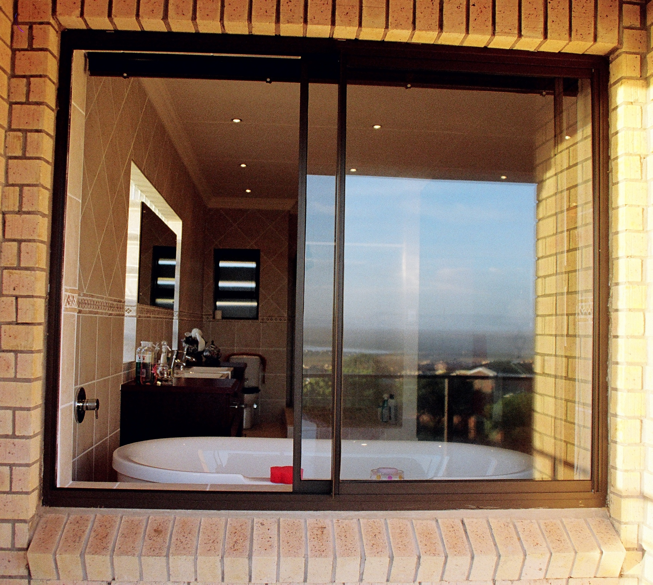 Aluminium sliding windows aluminium solutions for Sliding glass windows
